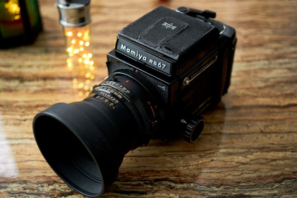 Why We Need a Beautiful, Retro-Style Digital Camera with a Top LCD