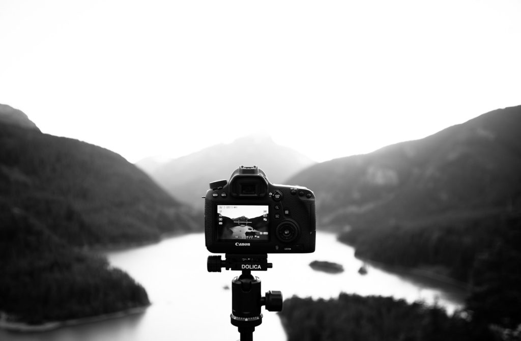 How to choose the best wide-angle lens for your camera