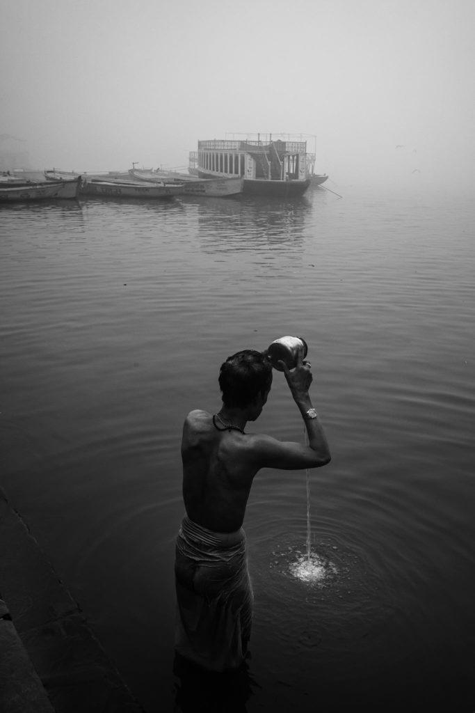 Pravin Tamang Photographs Beautiful Scenes of Solitude in Varanasi