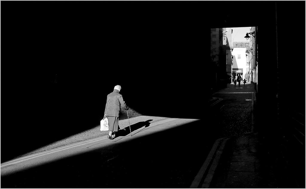 APOY round nine is open: Street – Amateur Photographer